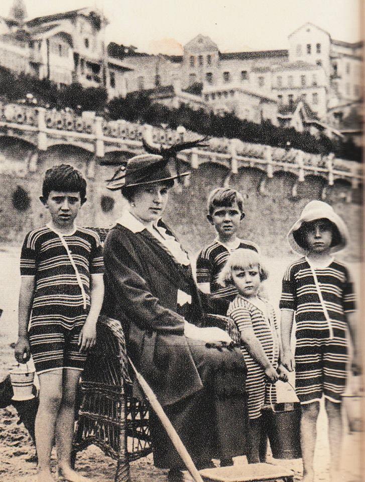 real mistressmistress trajes en San Sebastián