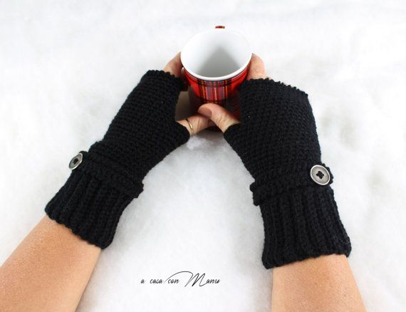 Guanti in lana neri gloves blacks wool handmade di Acasaconmanu