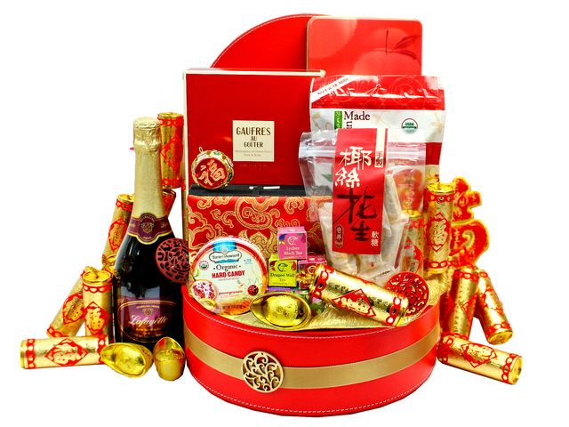 the best chinese new year gift baskets ideas with red and gold themes - Gifts For Chinese New Year