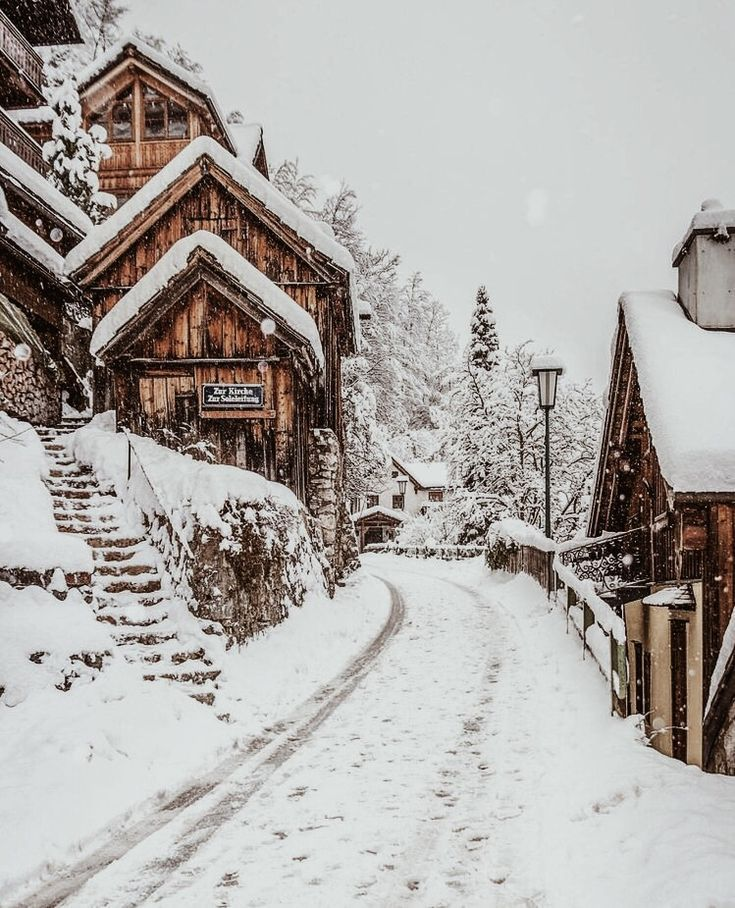 snow capped houses - #australia #capped #houses #snow #neiged#39;hiver