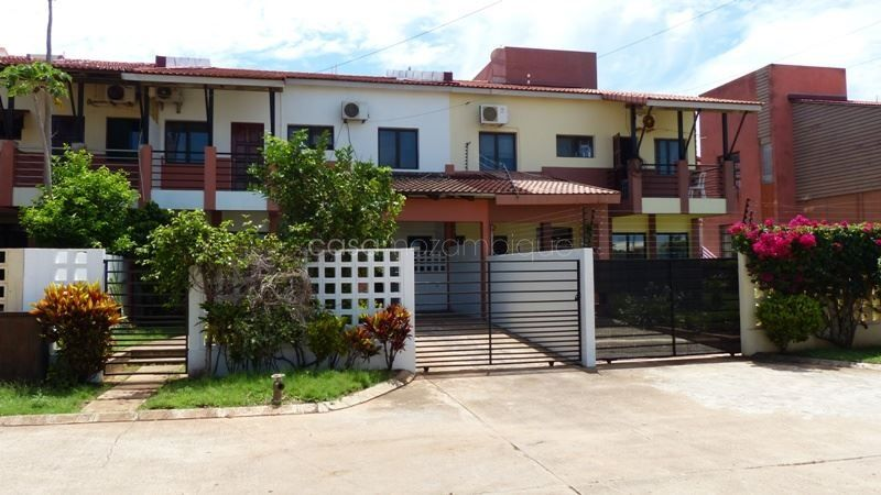 4 Bedroom Duplex House For Rent Situated In The Condominium Bela Vista Located In The Suburb Of Sommerschield 2 Maputo Clos Renting A House Duplex House House