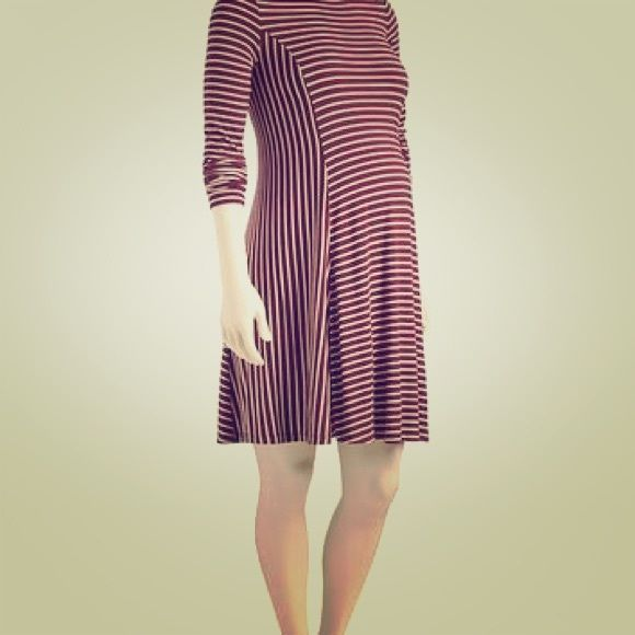 Old Navy Cranberry-Striped Flare Maternity Dress Never worn Old Navy Flared Maternity  Dress (M)  I also have it in Black! Old Navy Dresses Long Sleeve c49079a7f