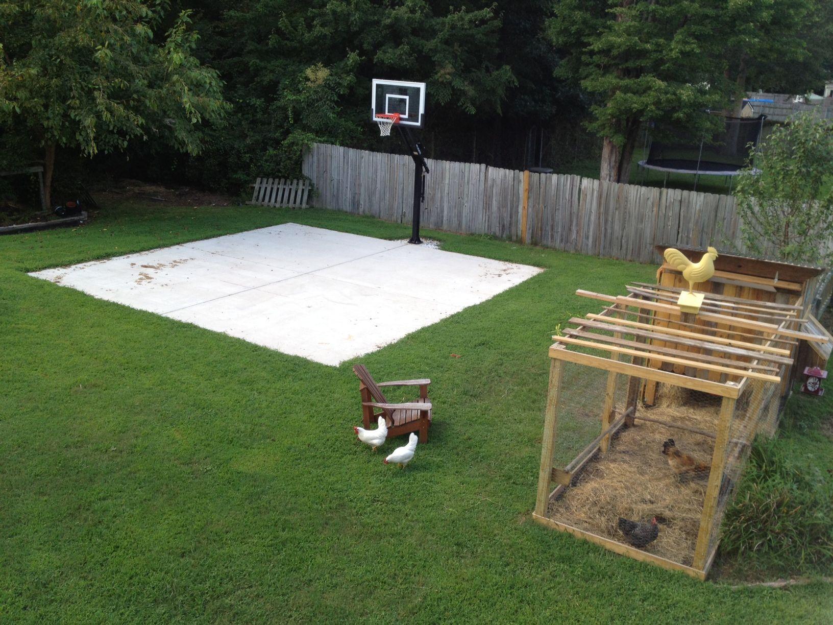 Aerial Concrete Slab In Fenced Back Yard 545 Source Jpg 1 632 1 224 Pixels Aerialconcreteslab In 2020 Backyard Basketball Basketball Court Backyard Backyard Playground Mini backyard basketball court