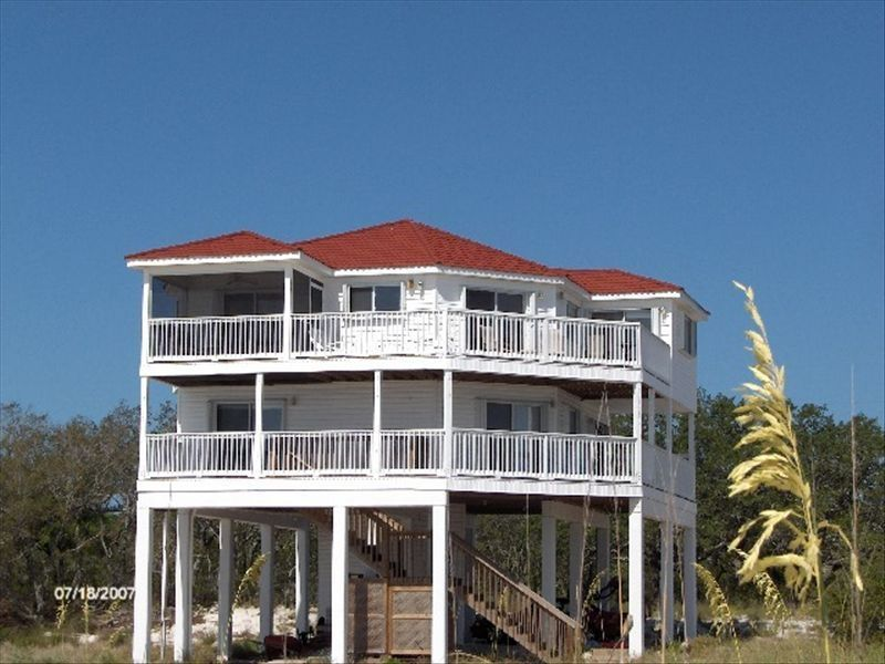 House Vacation Rental In Alligator Point Fl Usa From Vrbo Com Vacation Rental Travel Vrbo Beach Cottage Exterior Beachfront House Rental