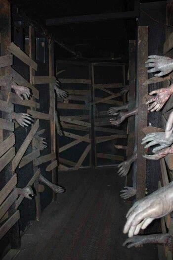 Halloween Spooky Walkway Halloween Haunted House Decorations Scary Haunted House Halloween Haunted Houses
