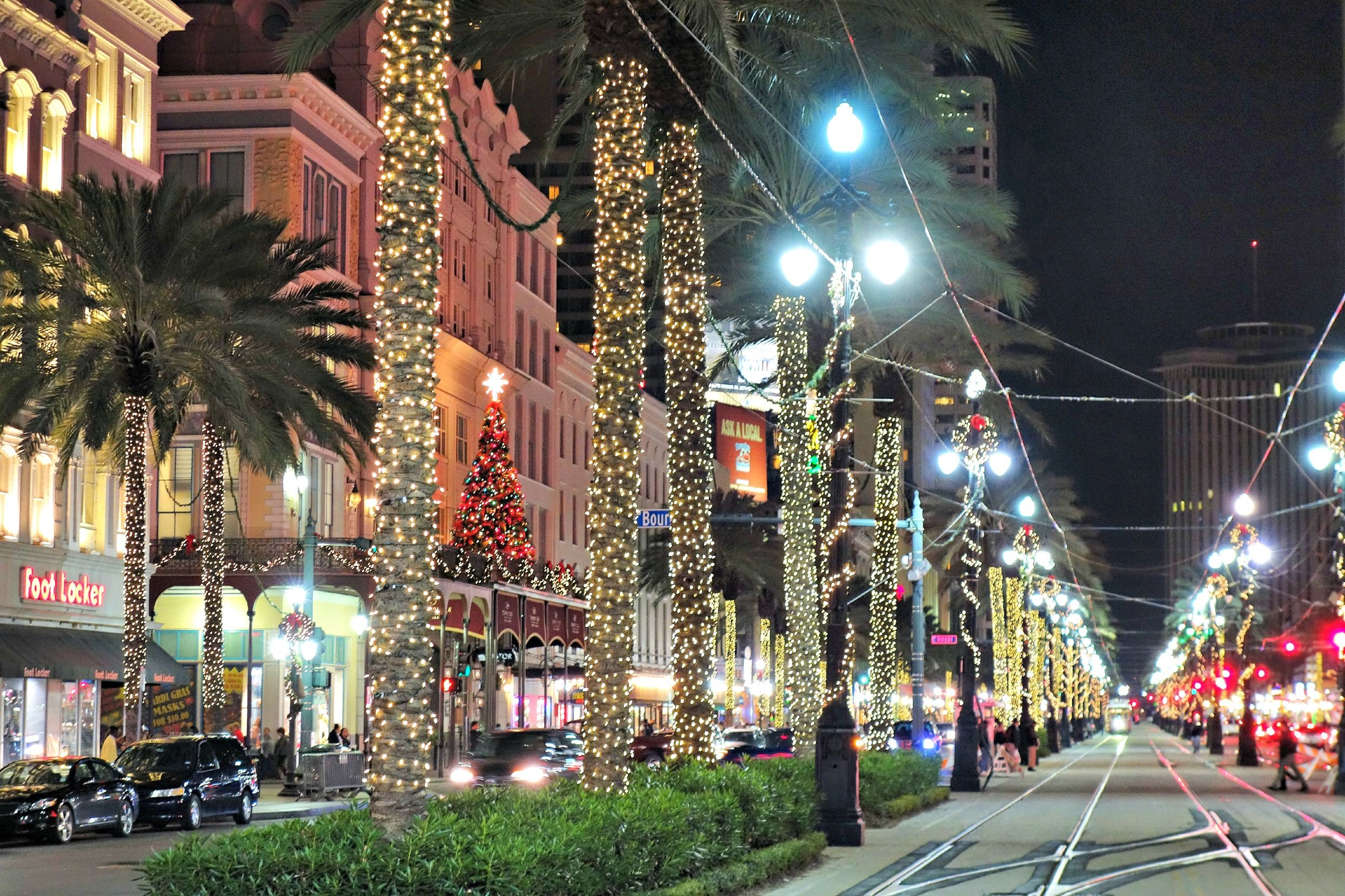 Christmas In New Orleans.It S Beginning To Look At Lot Like Christmas On Canal Street