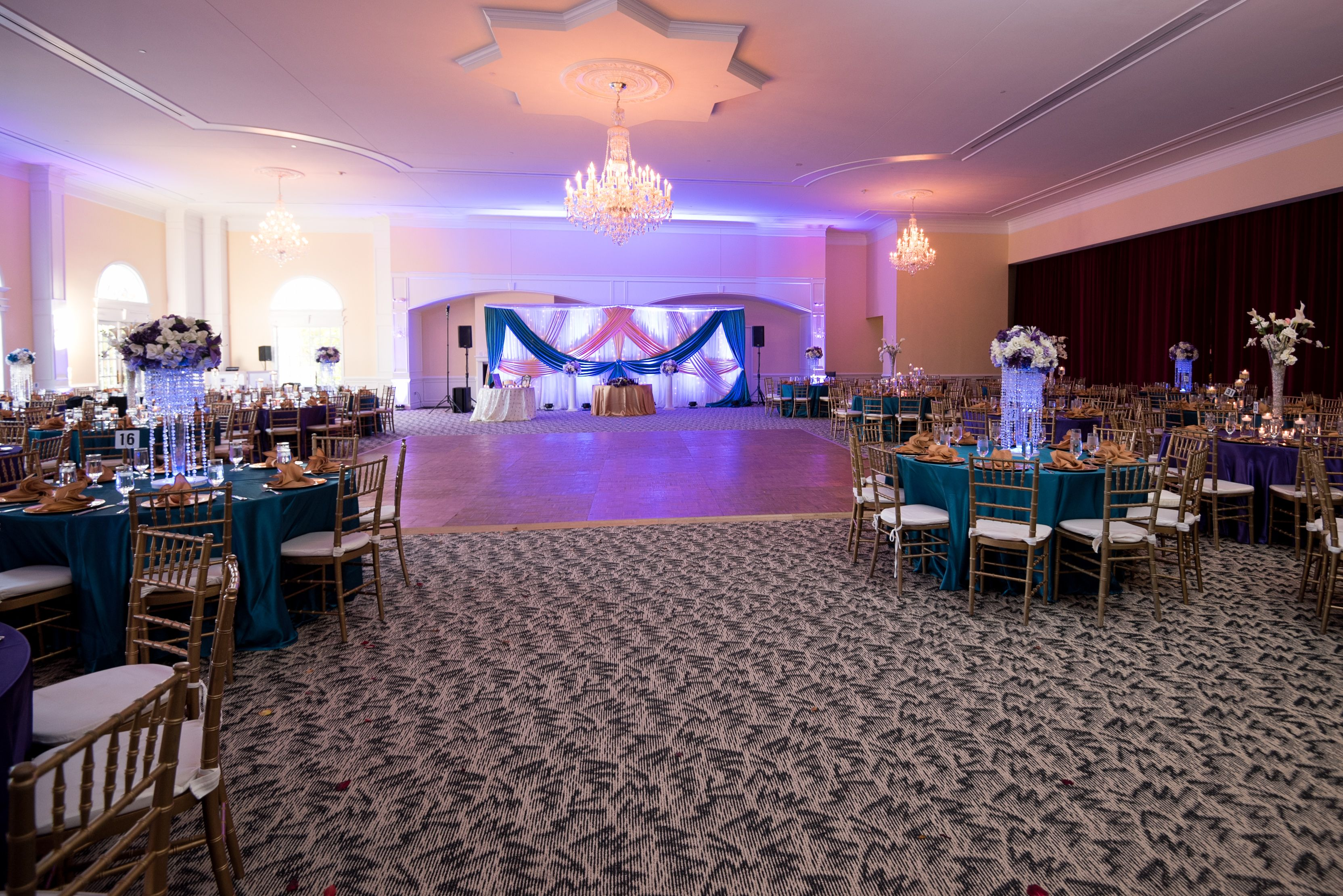 Spacious Venue At Foxchase Manor In Manassas Va Www Foxchasemanor Com Event Venues Open House Venues