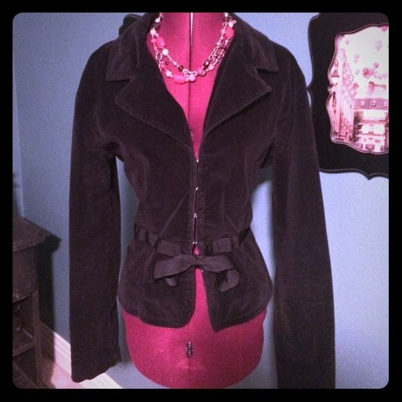 Darling Velvet Type Blazer Darling velvet type blazer. This is preloved as it was one of my favorite jackets! It has life left and is in good condition. I met my husband wearing this blazer so it comes with some good karma! SO Jackets & Coats Blazers