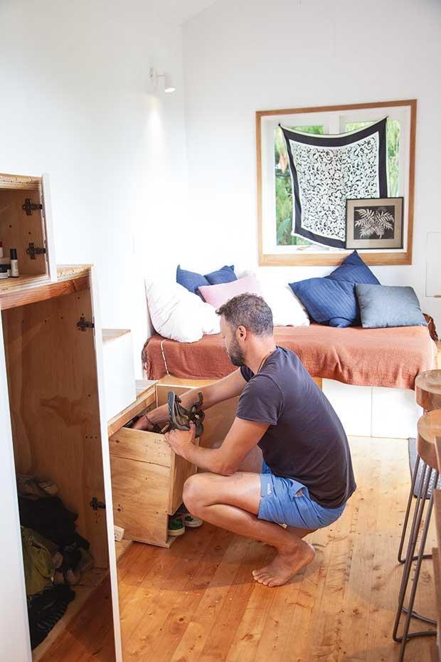 Why New Zealand S First Survivor Winner Avi Duckor Jones Considers His 36sqm Tiny House Abundant Survivor Winner Small Showers Tiny House