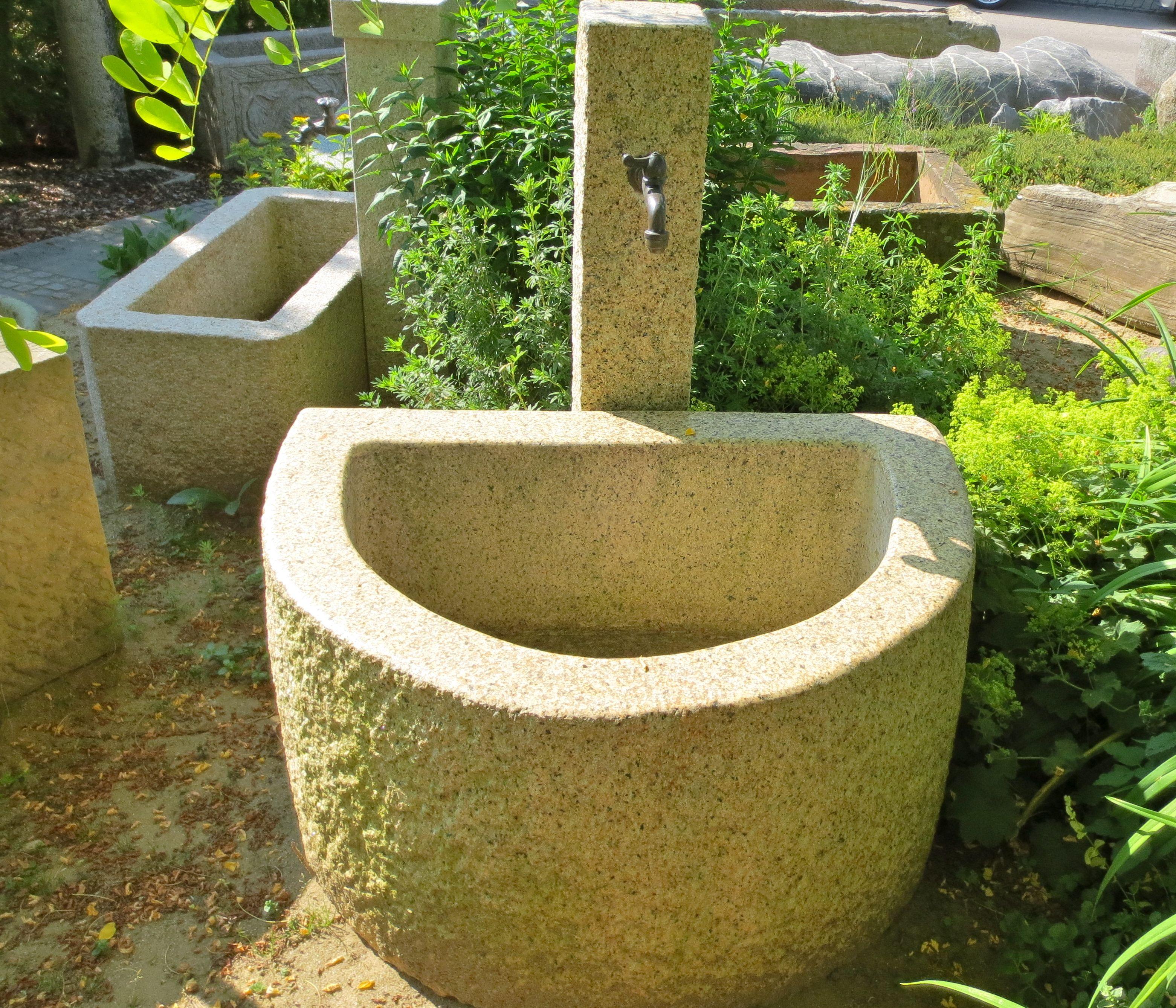 Gartenbrunnen Aus Naturstein Brunnencenter Allgau Gartenbrunnen Steinbrunnen Garten