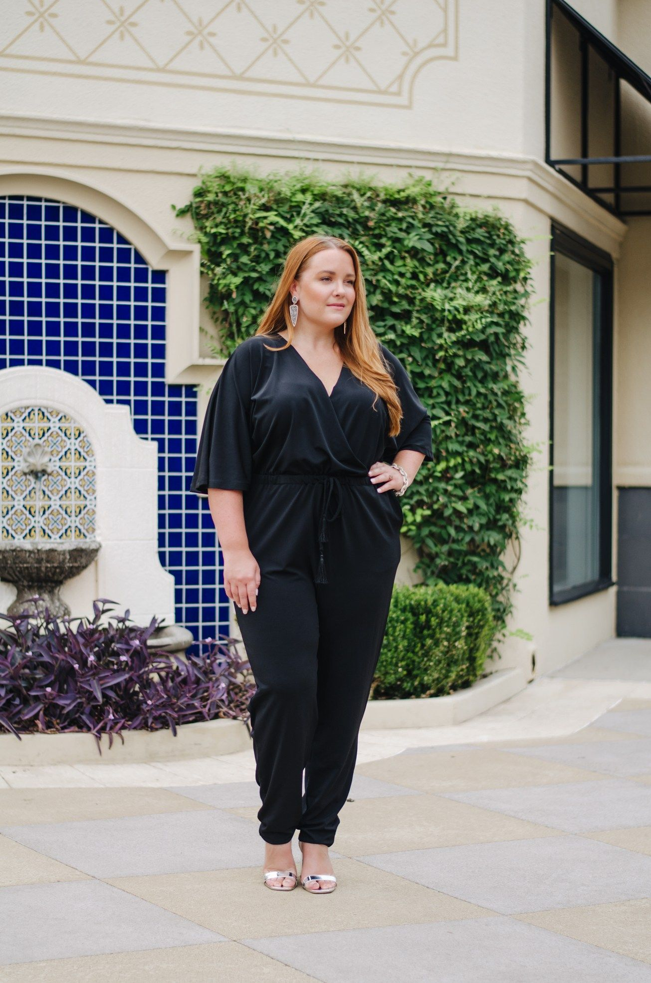 Date night outfit! This jumpsuit is the perfect combination of style and  comfort. - thestylelodown.com     lolo russell    curvy blogger 01f910507