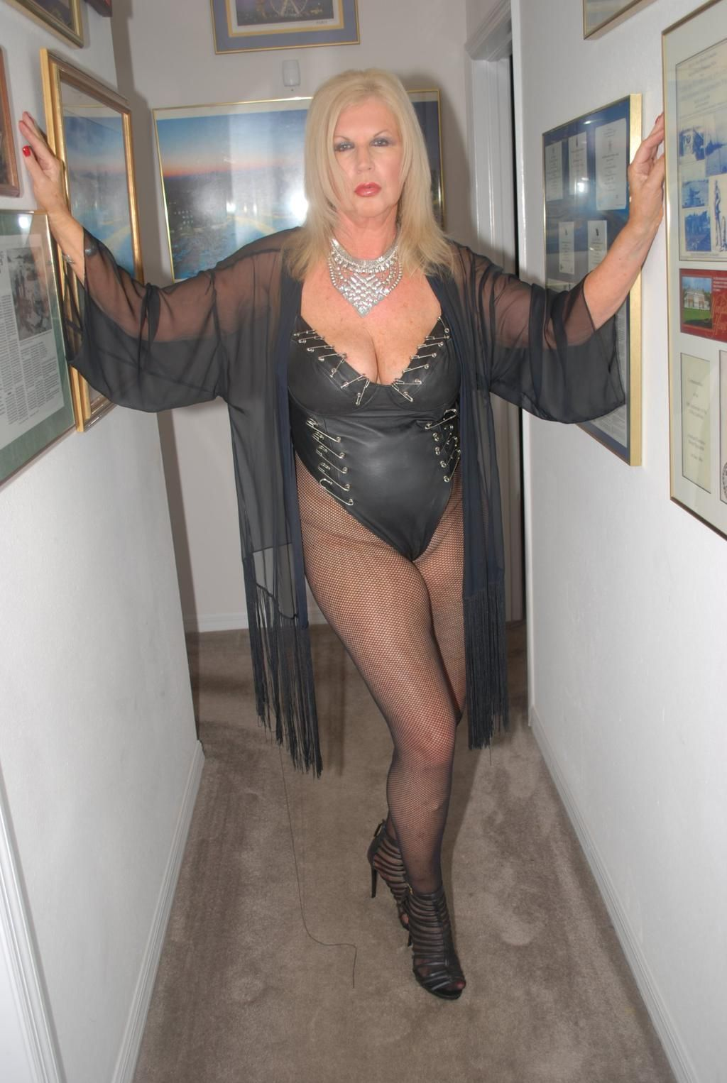 a great gilf in fetish leathers-- anneke van buren | gilf