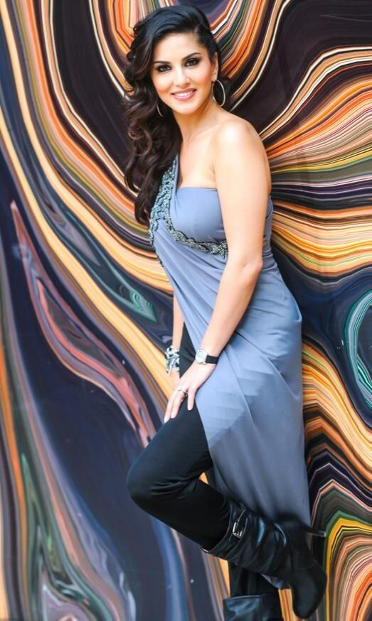 Sunny Leone unseen pic #Style #Bollywood #Fashion #Beauty