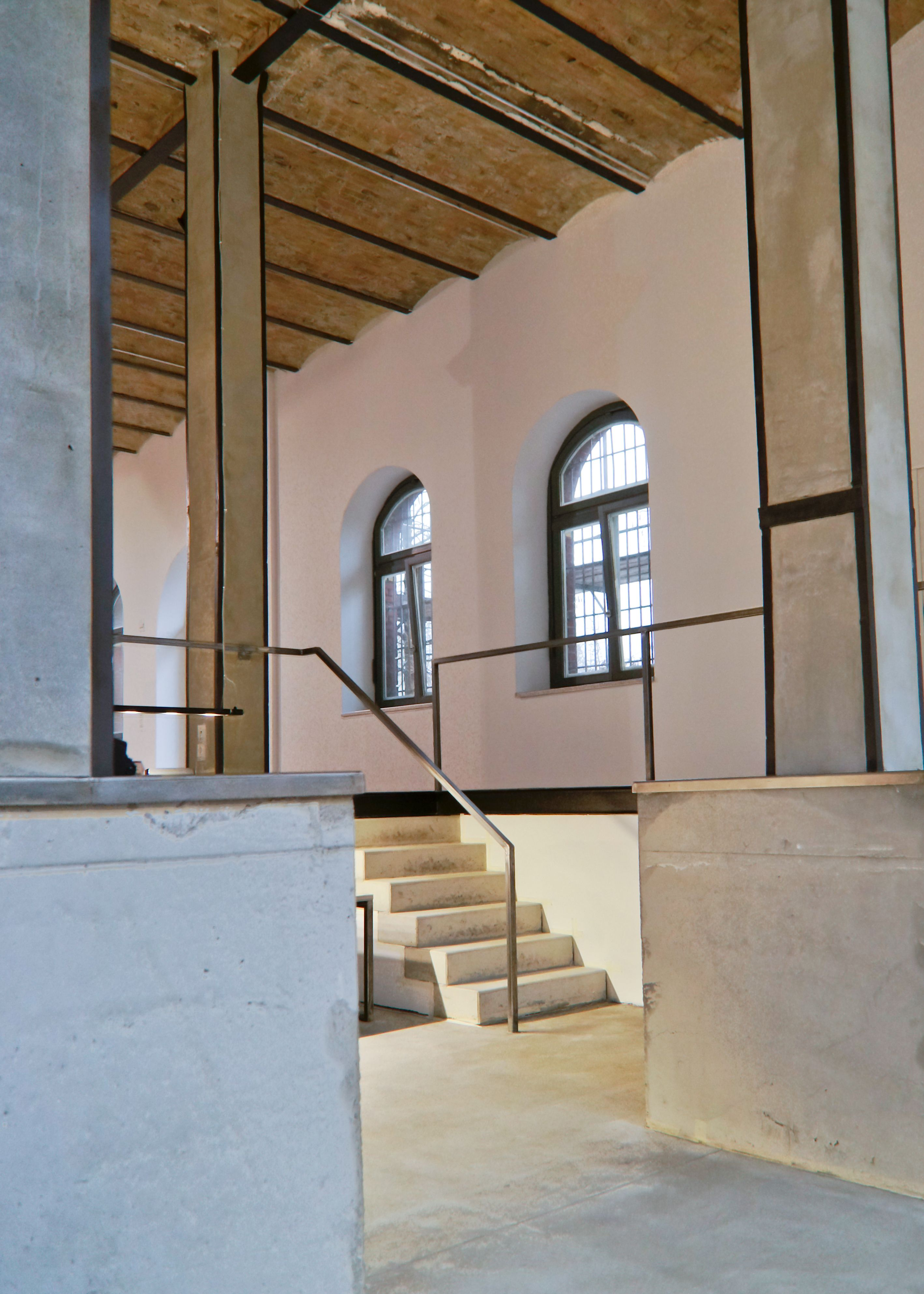 strassenbahndepot winterstein strasse wird atelier, loft