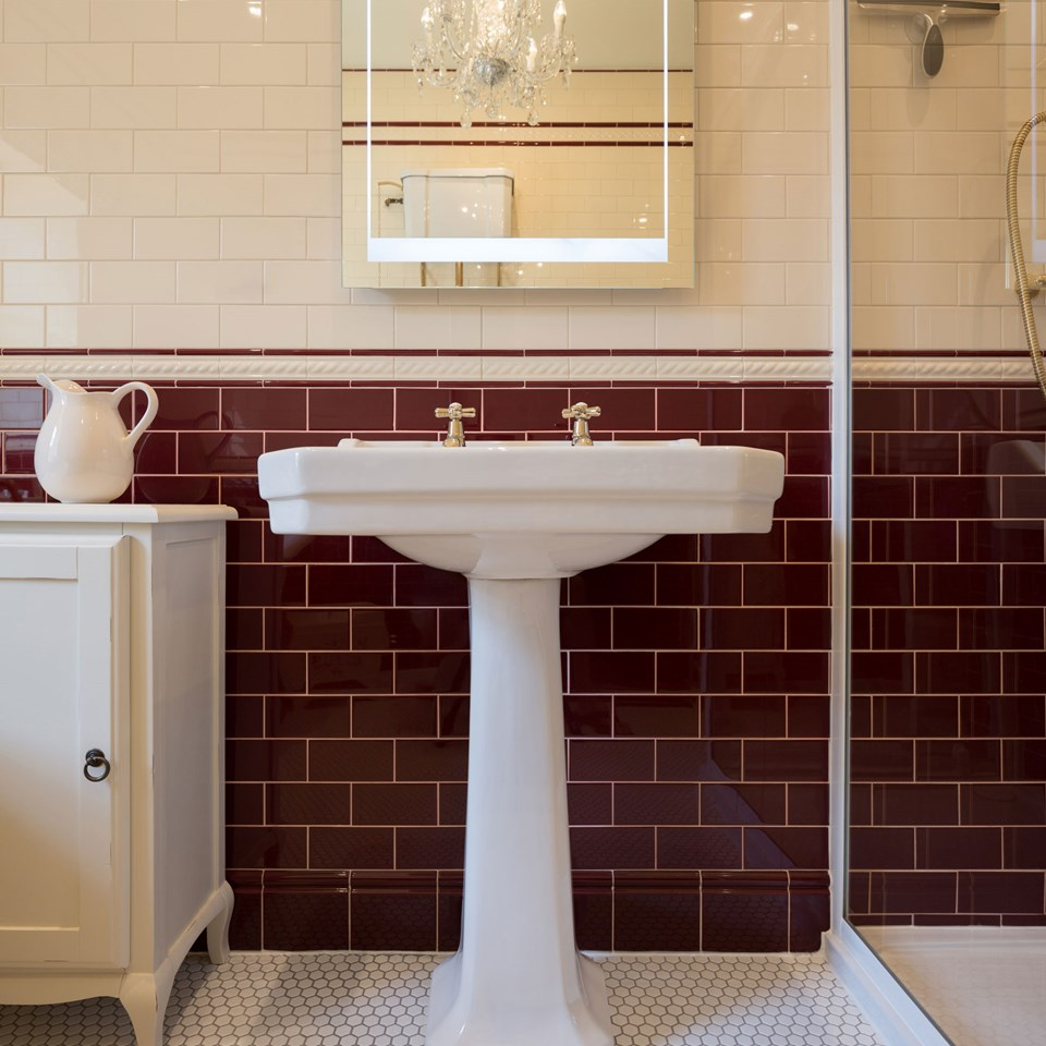 Traditional & Classic Bathroom Tile Ideas Bathroom
