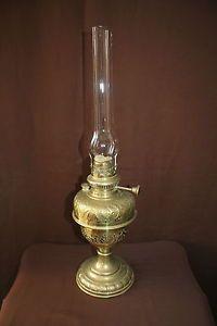 Tres Belle Lampe A Petrole En Cuivre Jaune Oil Lamps Oil Lamps