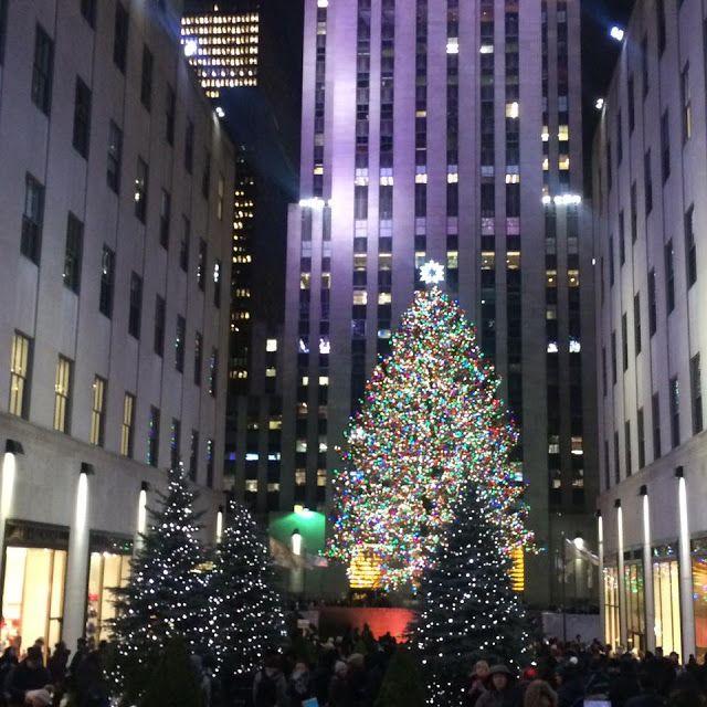 AMERICAN ADVENTURE | NEW YORK NEW YORK JANUARY 2017#newyork #america #travel #traveling #travelling #thebigapple #manhattan #beautifuldestinations #photography #travelphotography #rockefellercenter #christmas #christmastreesaroundtheworld #rockefellerchristmastree #newyorkchristmas