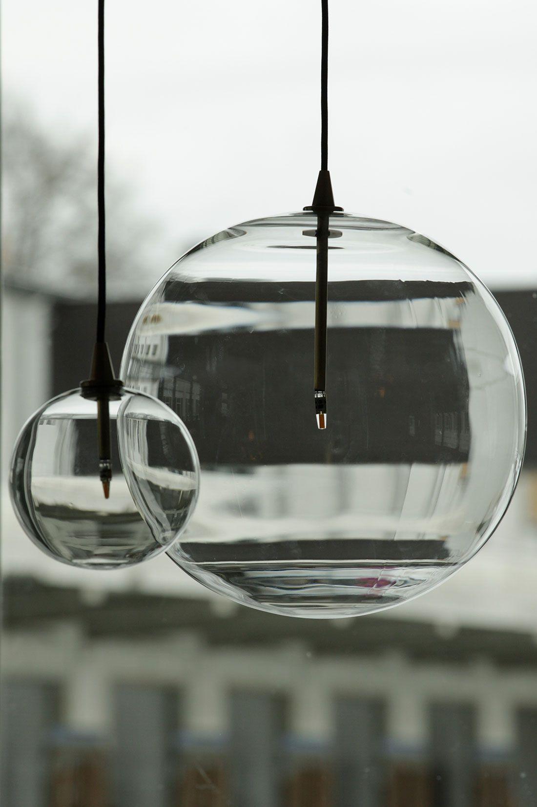 Elegante, moderne Glaskugel Pendelleuchte (Borosilikatglas