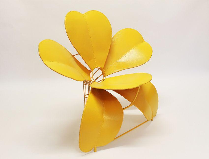 Fiore lamiera giallo by Anacleto Spazzapan