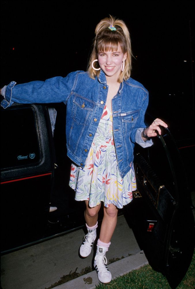 03b3bd51c9f LOOK  The Must-Have Fashions Of 1989 (Cringe)