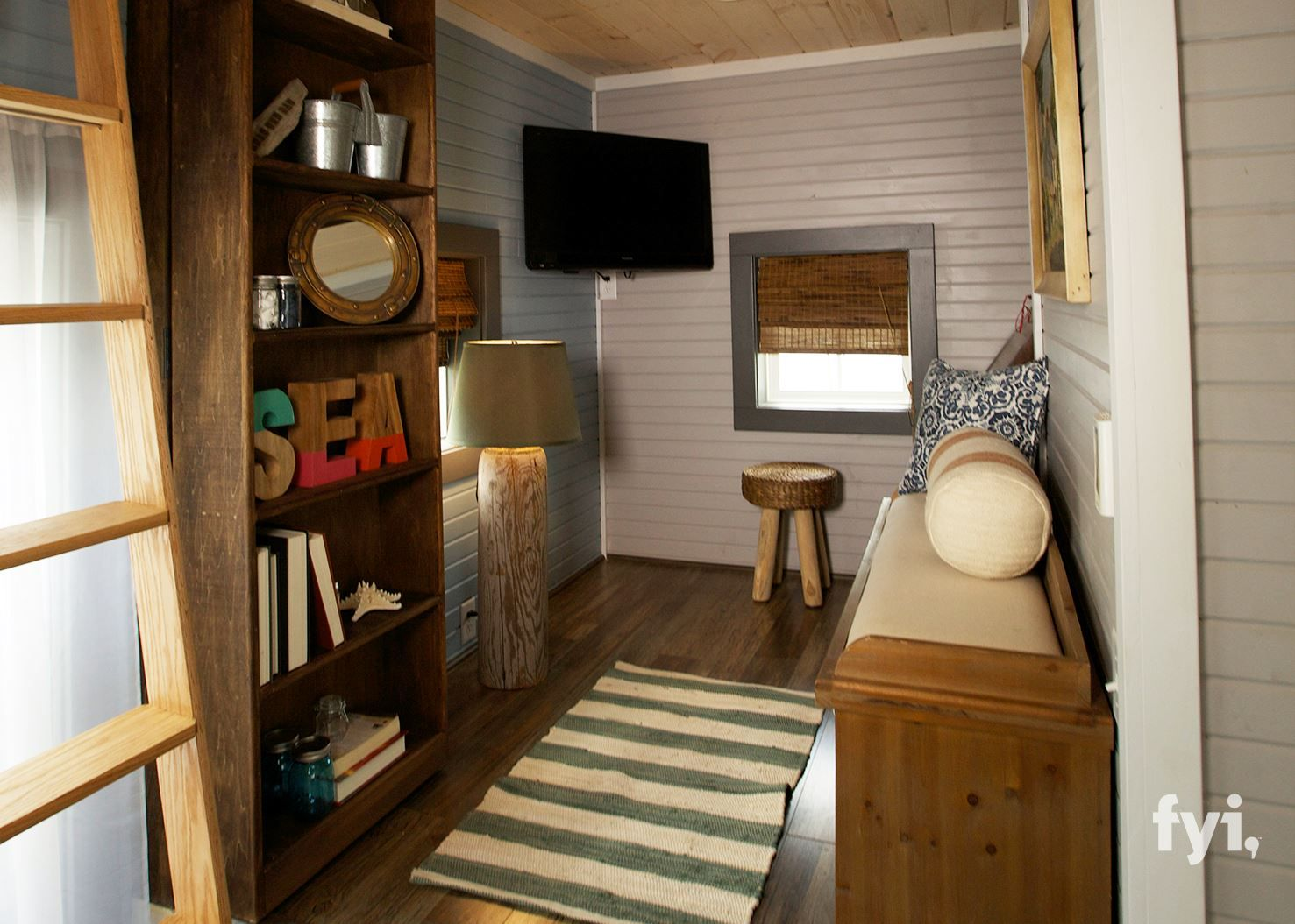 CHARMING SEA SIDE INSPIRED TINY HOUSE - TINY HOUSE TOWN