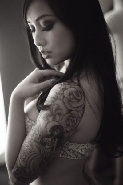 Sexy asians with tattoos