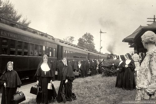 Sisters of Providence of Saint Mary-of-the-Woods board trains to their missions, 1928. #HistoryNun #NCSW http://spsmw.org