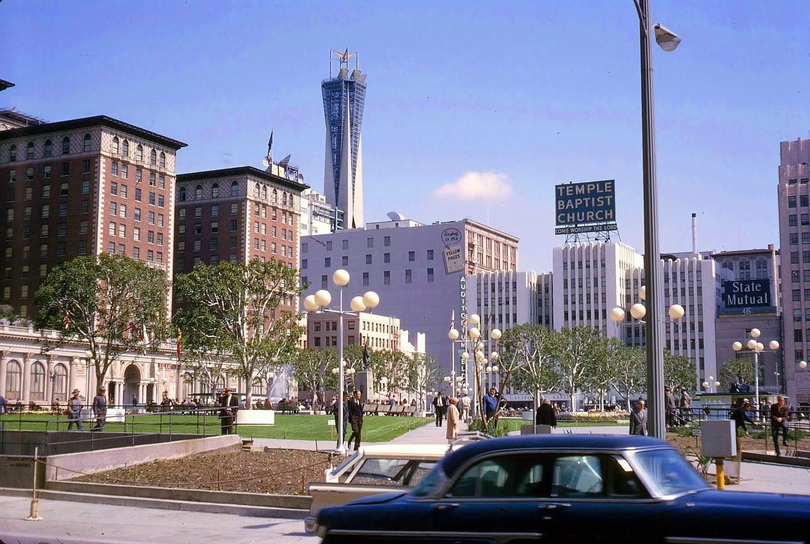 1965 Pershing Square And Los Angeles Biltmore Hotel