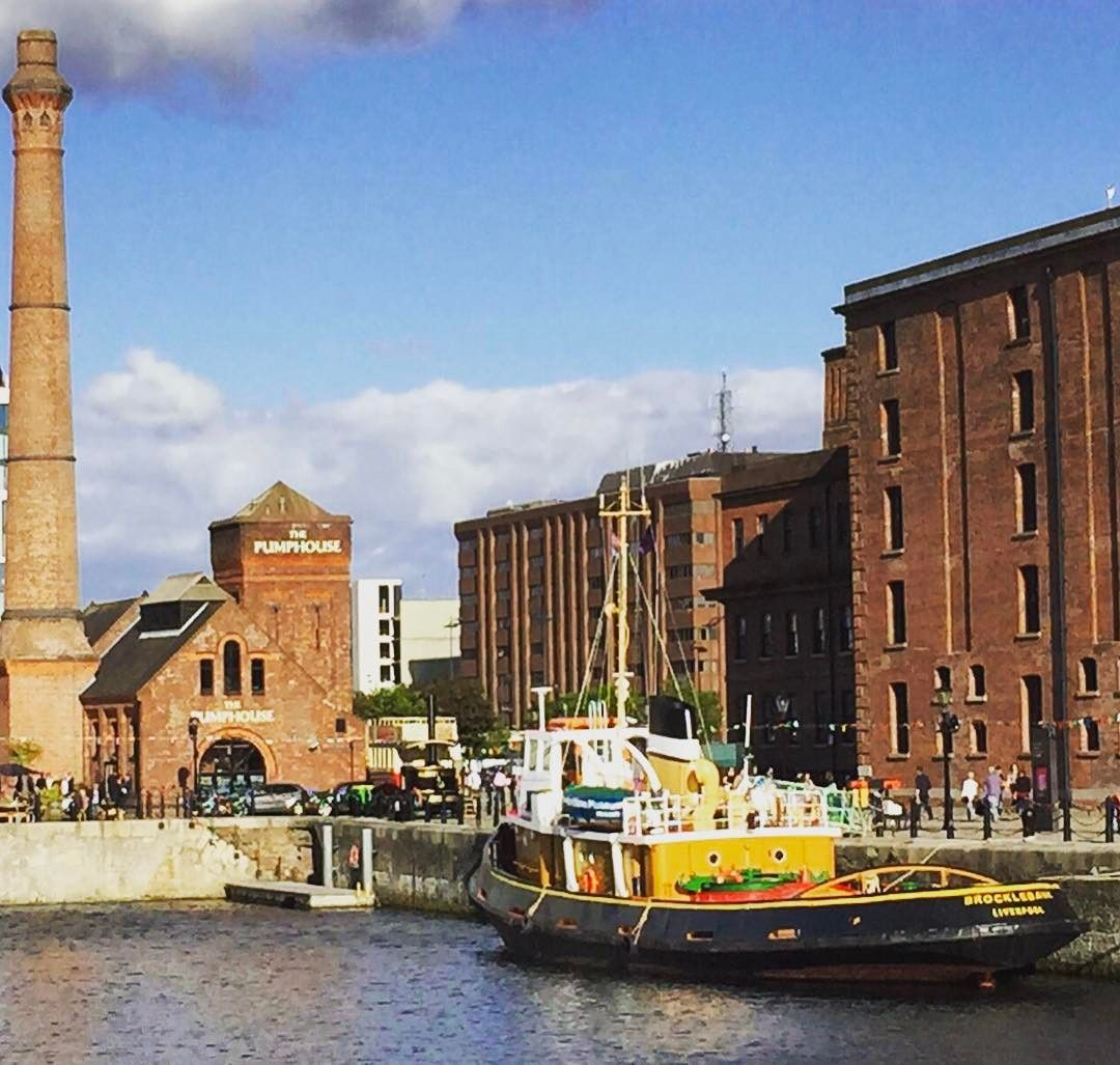 Cais Albert Dock Em Liverpool Uma Das Atracoes Da Cidade Numa Viagem Ao Reino Unido Liverpool Pode Cidades Do Interior Interior Da Inglaterra Viagem A Dois