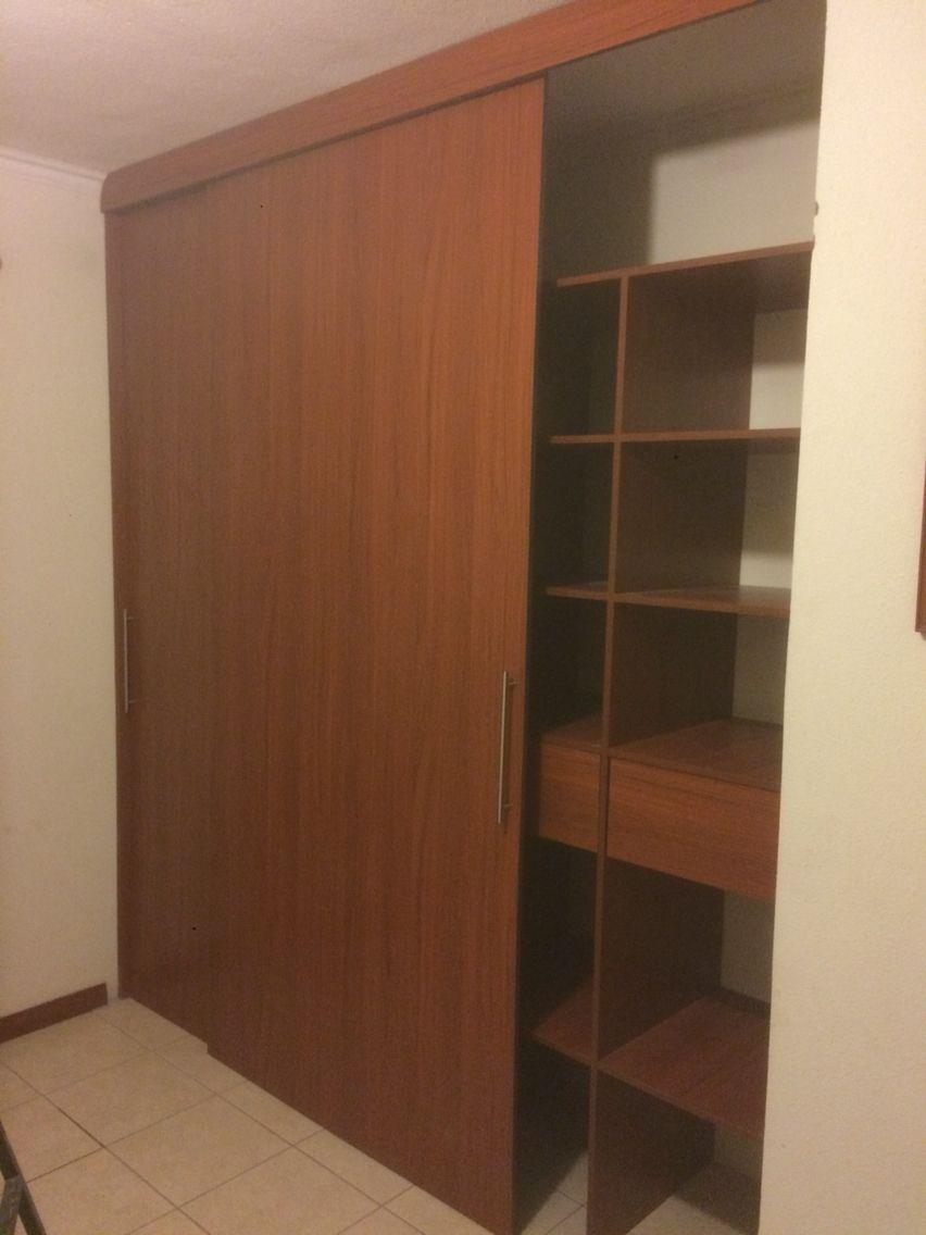 Closet puertas corredizas construsuenos pinterest for Puertas corredizas