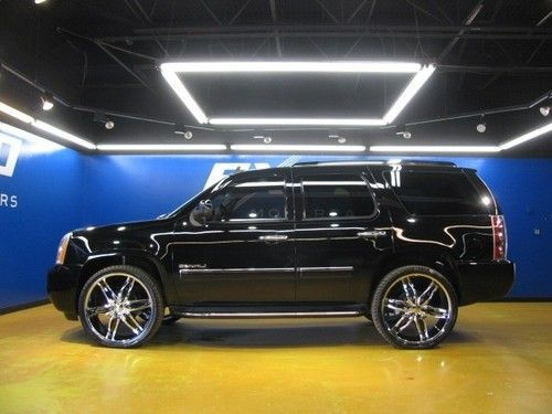 Yukon Denali Rims Gmc Yukon Denali 4wd Custom 26 Inch Wheels Entertainment Third Row Gmc Yukon Denali Yukon Denali Gmc Yukon