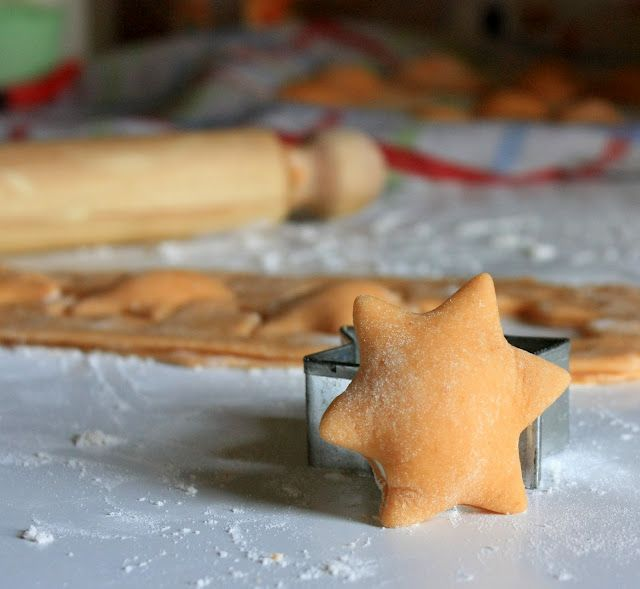 Homemade cookie-cutter ravioli! How cute :D