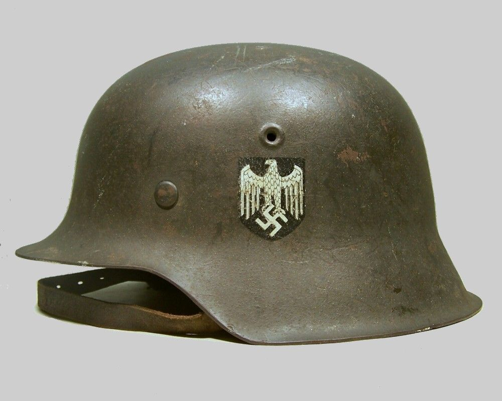 Pin do(a) Yingsak Petcharasudhi em The Third Reich  345a5af1030