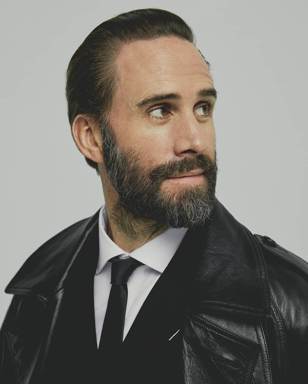 Joseph Fiennes Daily On Instagram Wishing The Happiest Of Birthdays To This Gem Of A Guy Hope He Has A Won Joseph Fiennes Actors Actresses Famous In Love