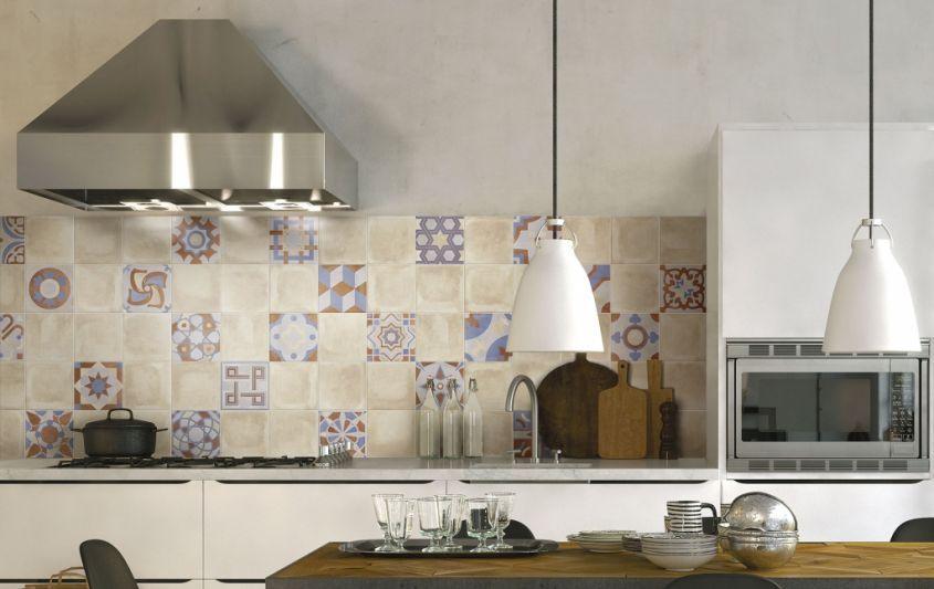Cementine in cucina dal pavimento ai rivestimenti: le idee più