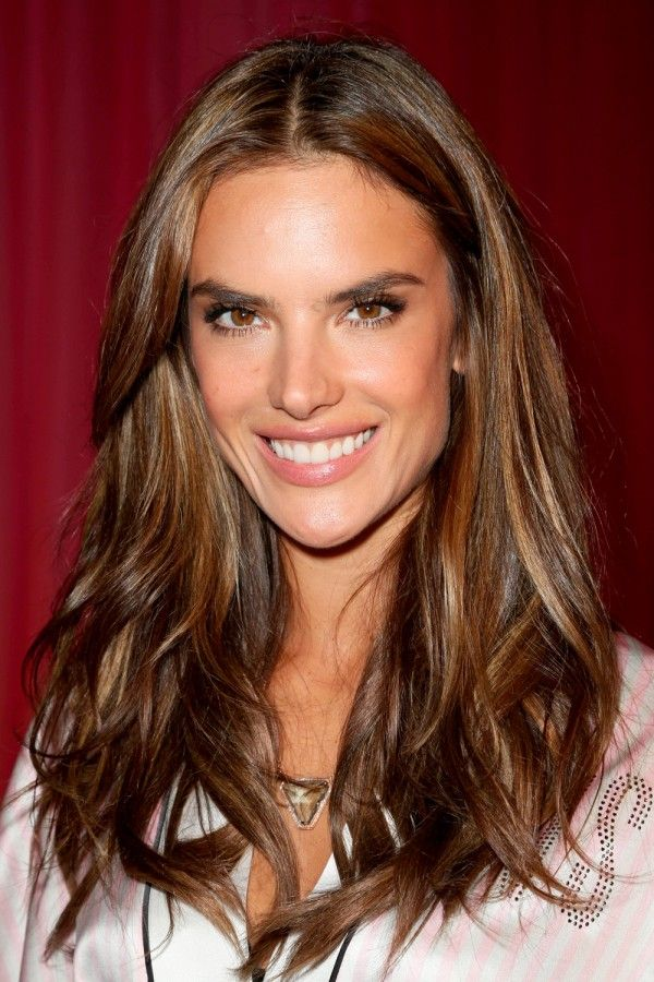 Alessandra Ambrosio With Glossy Brown Curls Hair Colour Autumn Winter 2017 Instyle