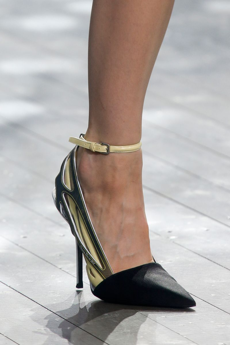 Christian Dior Spring 2014 RTW - Review - Fashion Week - Runway, Fashion Shows and Collections - Vogue