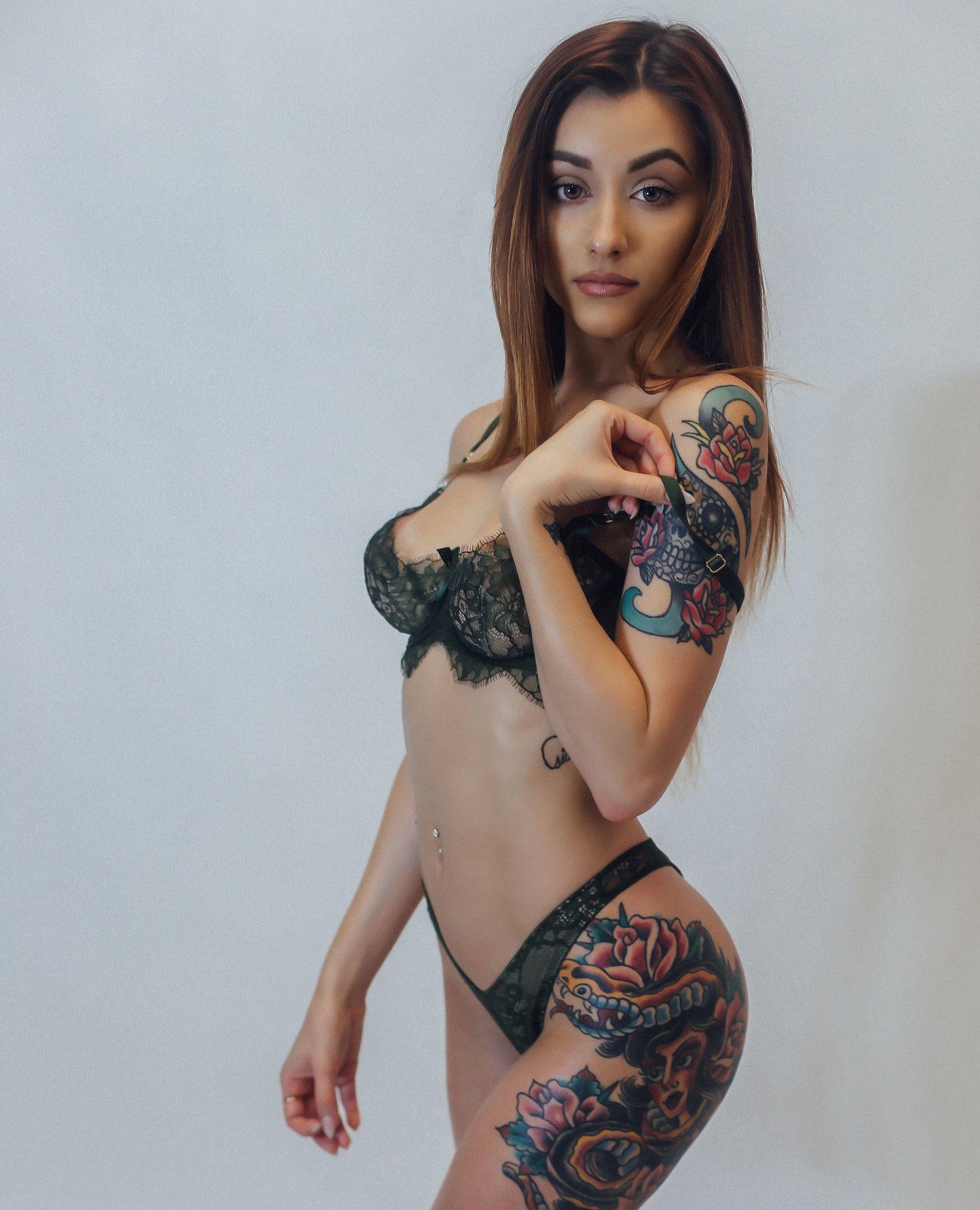 Tattoo girl dating