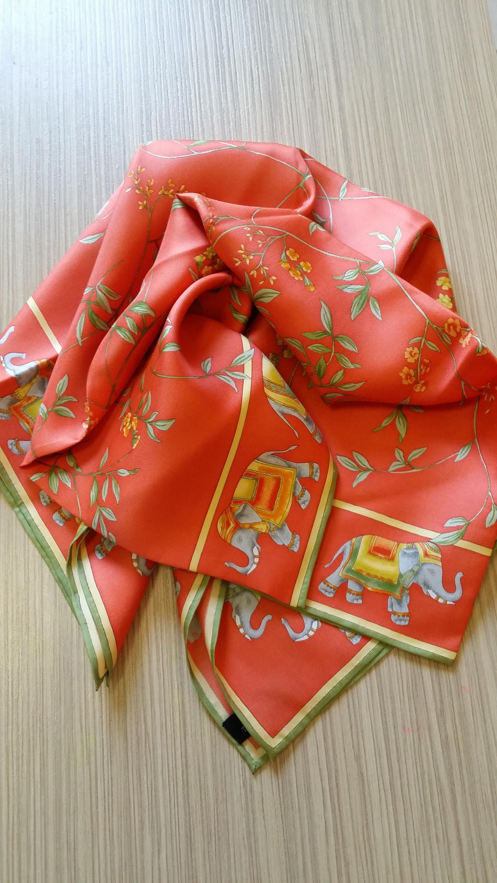 Discover   Buy on our Online Shop All Jim Thompson Scarves   100% Silk.  Made in Thailand by the famous Jim Thompson House. 83cm   83cm 55d5a7d794
