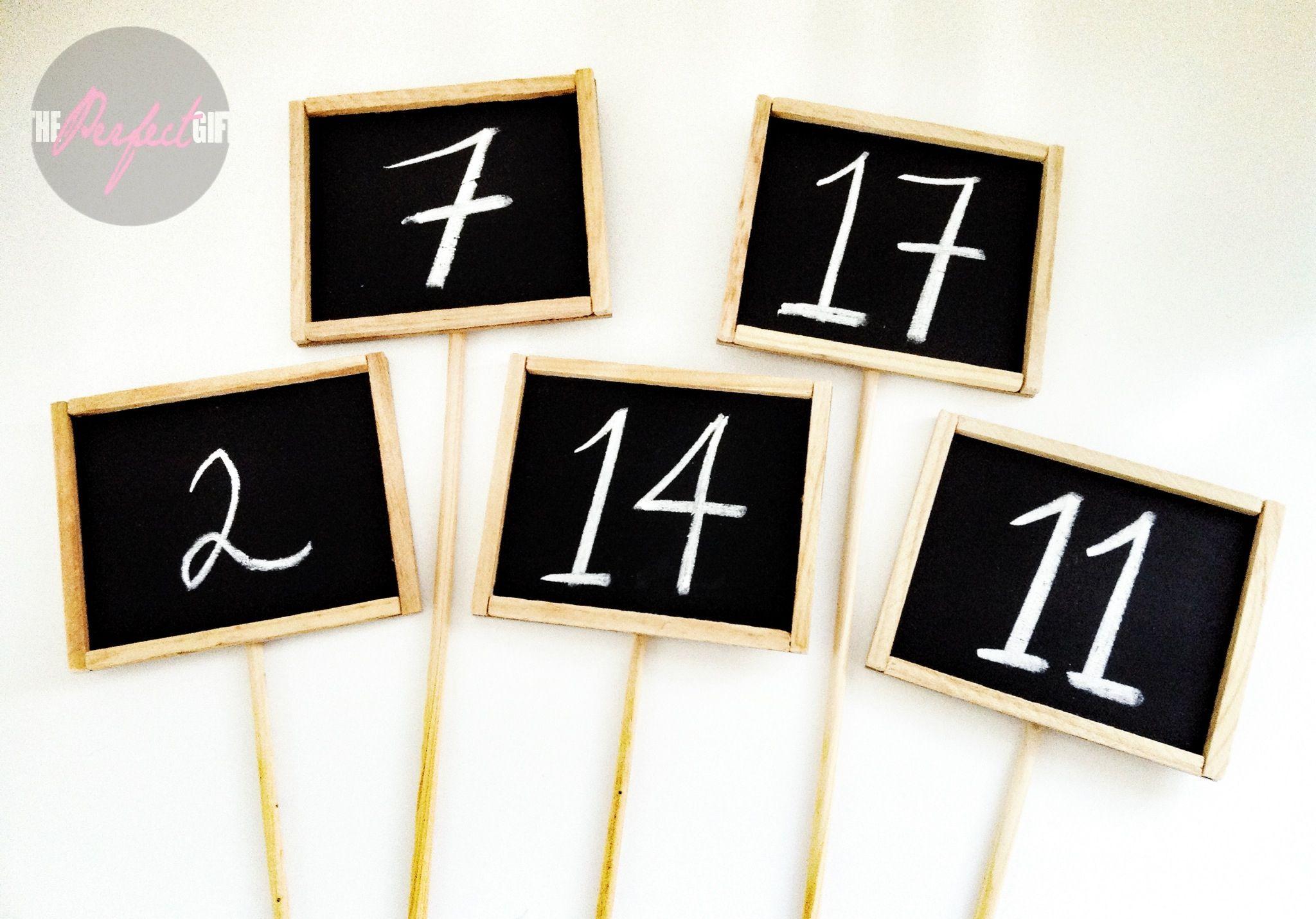 Mini pizarrones para numeración de mesas para boda. Centros de mesa, Recuerdos  de Boda. Vintage. / Mini Chalkboard for table numbers, wedding. Por The Perfect Gift & Decor. thperfectgif.info@gmail.com