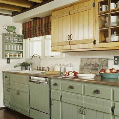 mach selbst renovierung schmale Küchen Interieurs blass grün - küche farben ideen