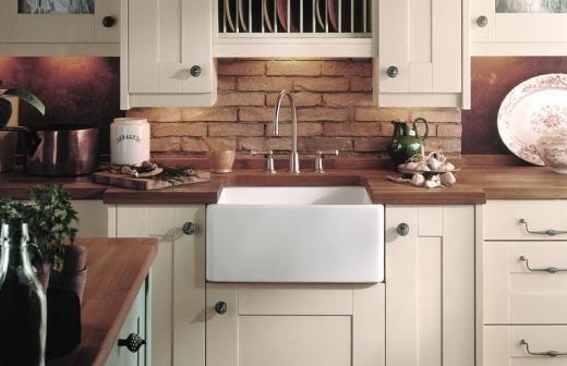 Cucina country: il lavabo scavato in ceramica | La cucina, nei miei ...