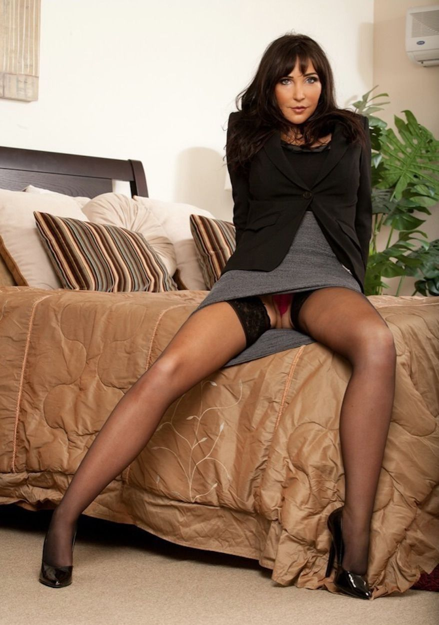 Upskirt milf nice stocking