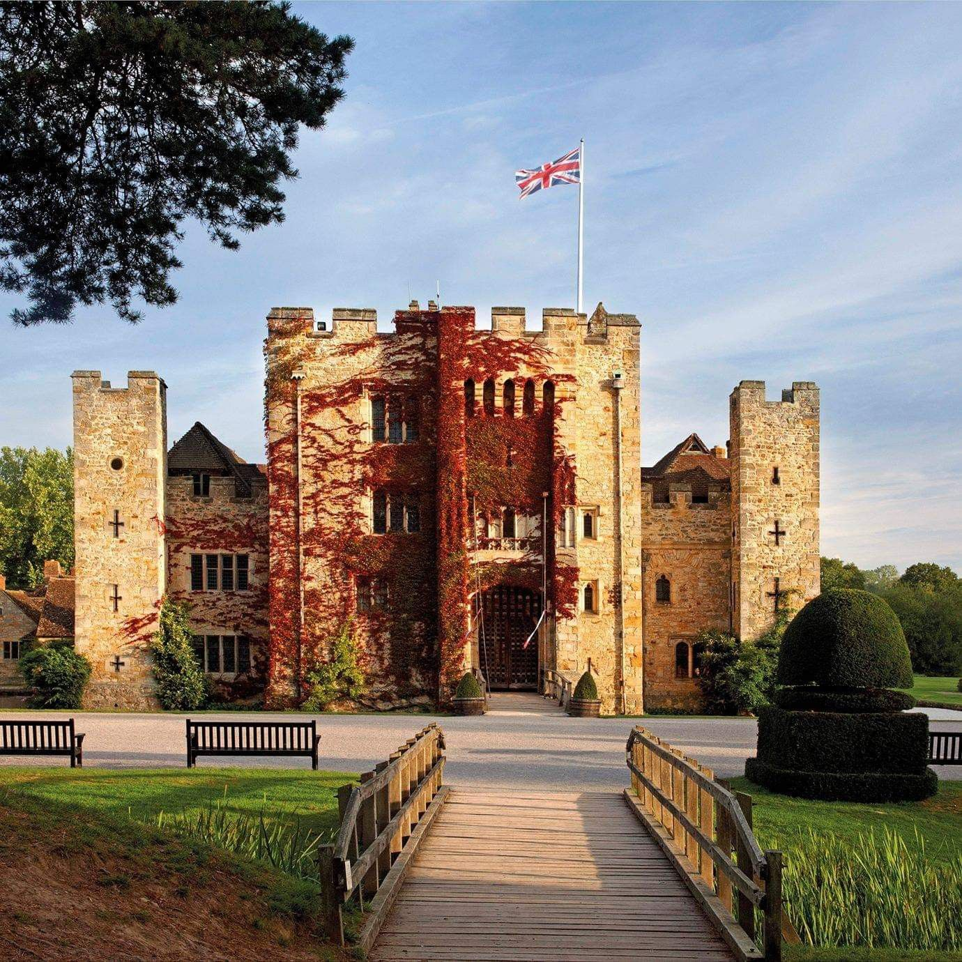 Hever Castle Stay in a castle, Castle hotel, Cool places
