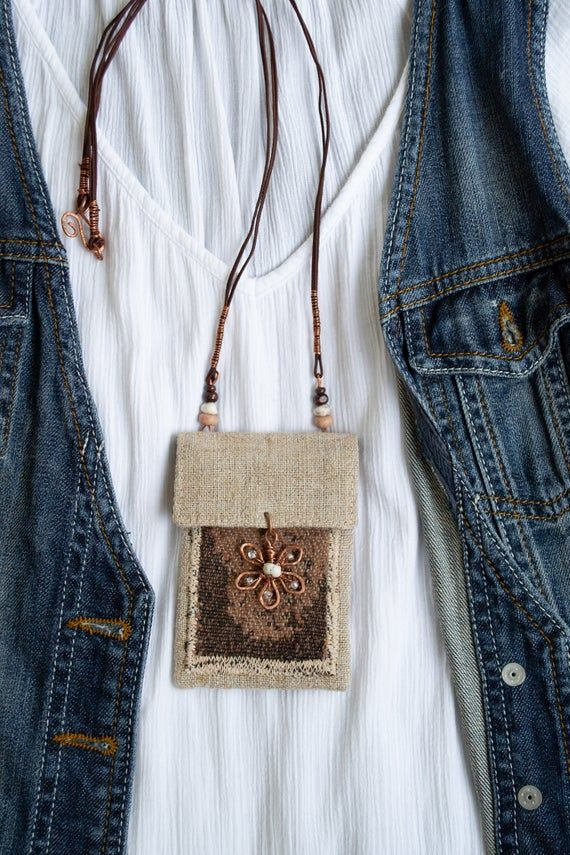 Photo of Vente : sac à main de carte de collier de lin , collier de sac d'Amulet, poche de médecine, cadeaux de rereative pour la petite amie, prêt à expédier