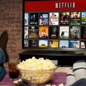 Netflix realizzerà un merchandising ispirato alle principali serie tv Netflix, il principale servizio di contenuti video in streaming, sta pianificato una strategia di marketing orientata alla produzione di giocattoli, libri, fumetti e gadget ispirati ai principali con #netflix #merchandisingserietv