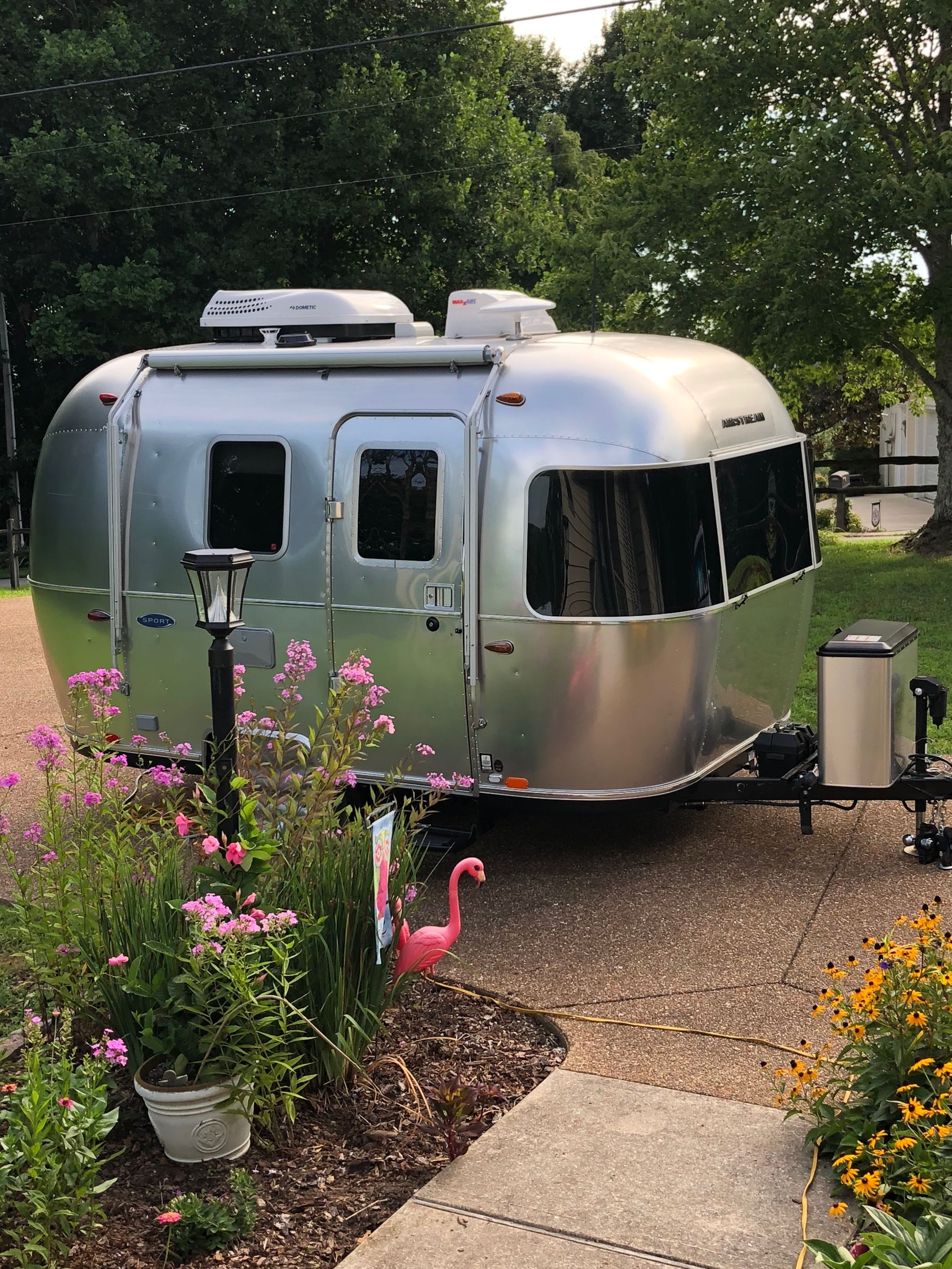Baby Airstream Love It With Images Vintage Travel Trailers