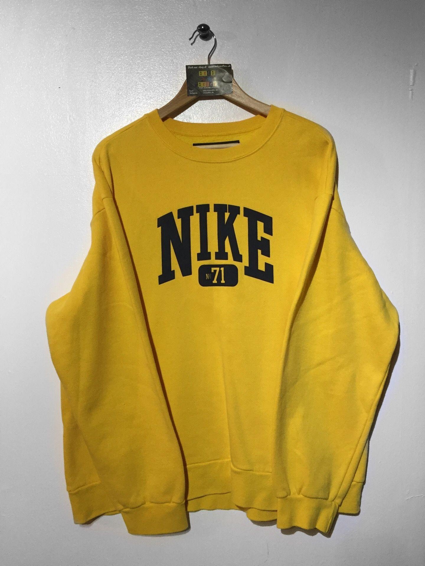 Nike Sweatshirt Size Large But Fits Oversized 34 Website Www Retroreflex Uk Nike Vintage Vintagefashion Oldschool Retro Ropa Ropa Vintage Ropa Tumblr [ 1920 x 1440 Pixel ]
