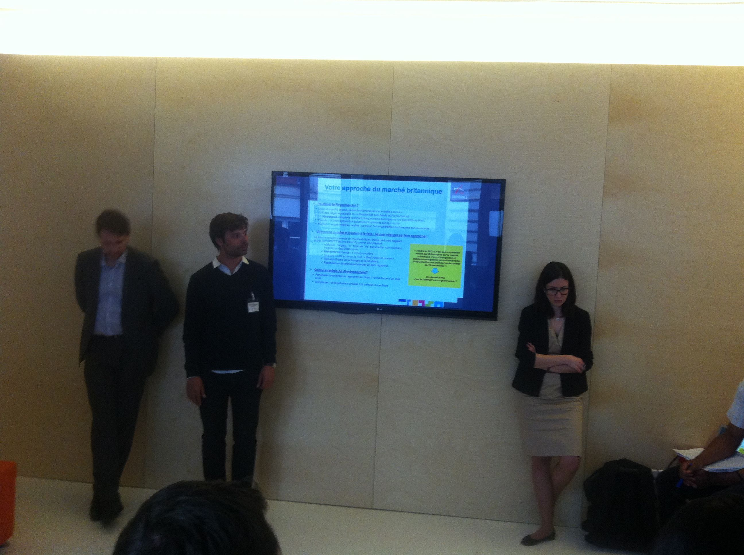"""Youri a partager son expérience de l'écosystème startup londonien a un atelier organisé par bizspark et ubifrance """"Comment se lancer au Royaume-Uni"""" www.simplib.com"""