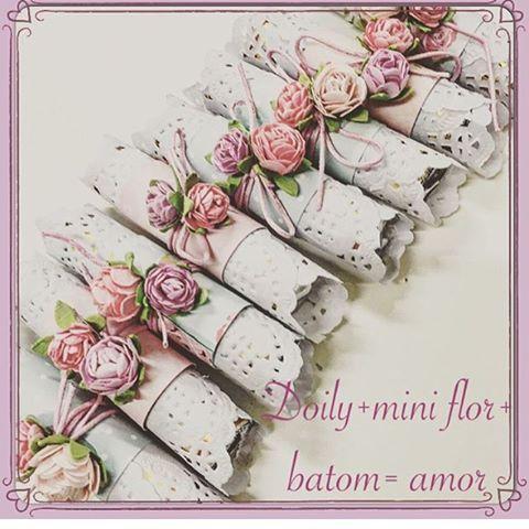 Um doce de mimo 🌸💟#batom#chocolate#doily#mimo#scrapfesta #scrapfestabyivylarrea #festa#lembrancinha